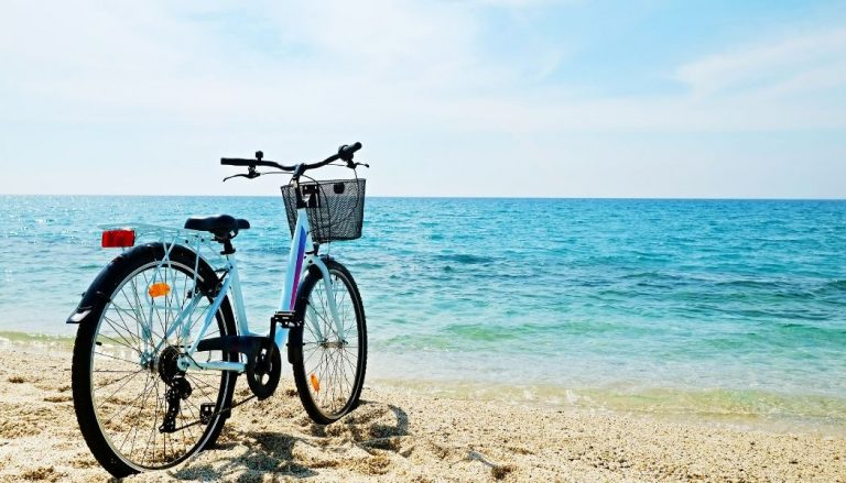 comfort bike with beach background