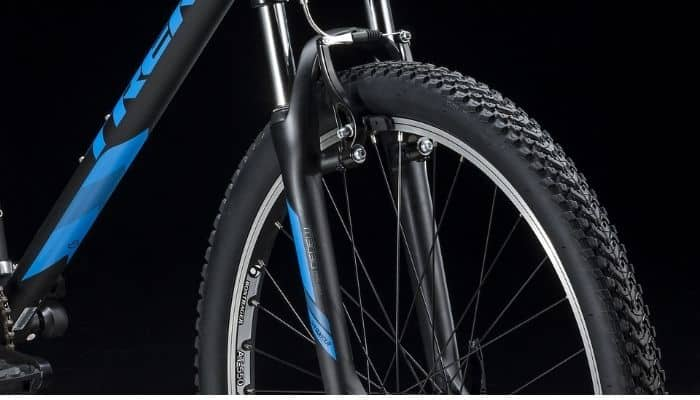 Trek 820 Mountain Bike wheels and tires